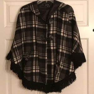 Cute Plaid Pancho with fringe SZ M